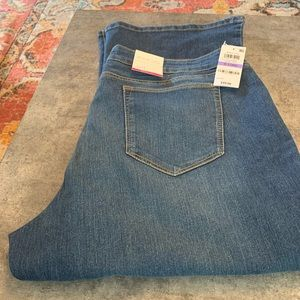 Curvy Boot Cut Jeans Long Inseam